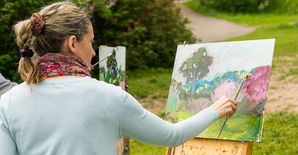 Outdoor painting in formal garden